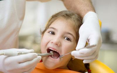 Флюс молочного зуба - Стоматология «Линия Улыбки»