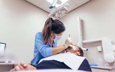 """Удаление нерва в зубе - Стоматология """"Линия Улыбки"""""""