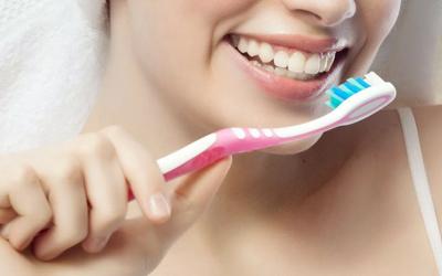 Чистить зубы дважды в день - Стоматология Линия Улыбки