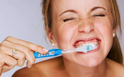 Чистка зубов - Стоматология Линия Улыбки