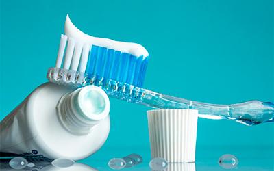 Использование отбеливающей зубной пасты на постоянной основе - Стоматология Линия Улыбки