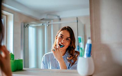 Нужно тщательно чистить зубы - Стоматология Линия Улыбки