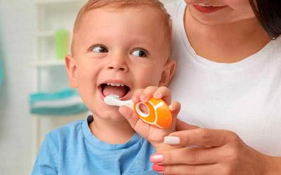 Что делать, если у ребенка молочные зубы коричневые - Стоматология «Линия Улыбки