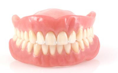 Недостатки нейлоновых зубных - Стоматология «Линия Улыбки»