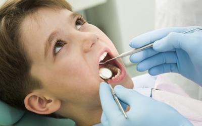 Пломбирование детских зубов - Стоматология «Линия Улыбки»