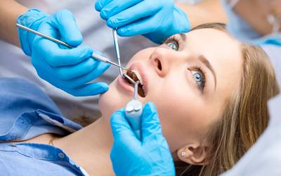 Удалять ли шатающийся зуб - Стоматология «Линия Улыбки»