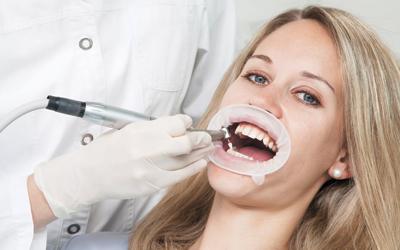 Губной ретрактор - Стоматология «Линия Улыбки»