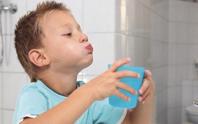 Полоскание полости рта после каждого приема пищи - Стоматология «Линия Улыбки»