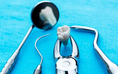 Как лечить десну после операции - Стоматология «Линия Улыбки»