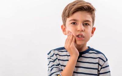Почему болят молочные зубки - Стоматология «Линия Улыбки»