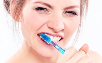 Как отбелить зубы в домашних условиях - Линия Улыбки