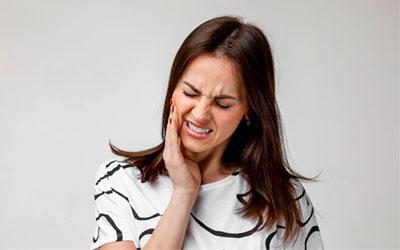 Боль в месте нахождения вырванной единицы - Стоматология Линия Улыбки