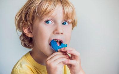 Детям обычно используются съемные системы - Стоматология Линия Улыбки