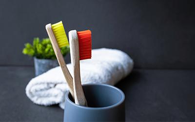 Зубная щетка для обработки аппарата - Стоматология Линия Улыбки